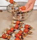 Шашлычки из морепродуктов и черри. Шаг 2
