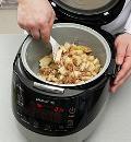 Фото приготовления рецепта: Яблочный пудинг в мультиварке, шаг №4
