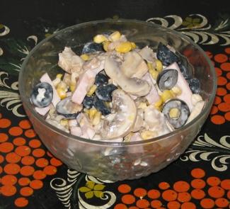 Рецепт Салат с копченой грудинкой