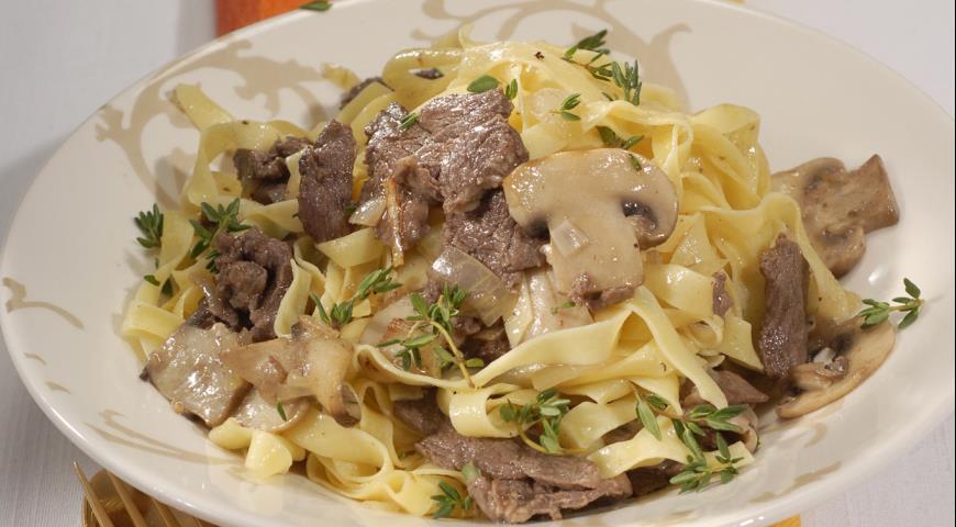 Рецепт Феттучине с мясным соусом