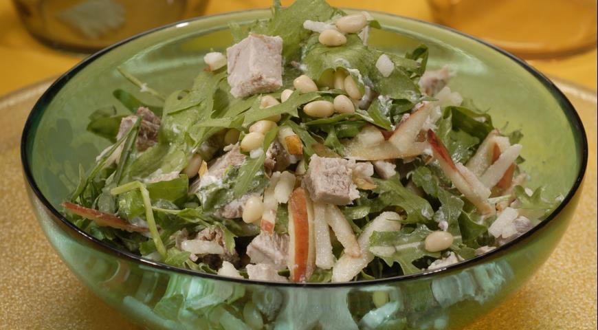 Рецепт Салат из куриной грудки с грушами