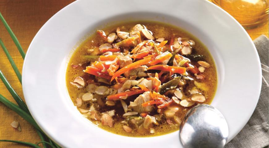 Рецепт Миндальный суп из курицы