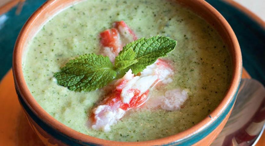 Рецепт Суп из огурцов с крабами