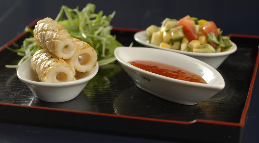 Рецепт Кальмары с пармезаном и кукурузной сальсой