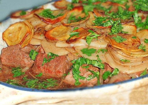 Рецепт Запеканка с мясом, картошкой и пивом
