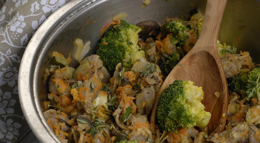 Рецепт Куриные желудки с овощами и шампиньонами