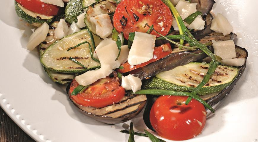 Рецепт Жареные овощи с козьим сыром