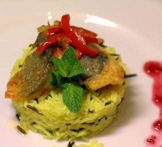 Рецепт Форель в кисло-сладком соусе на шафрановом рисе