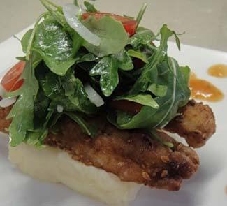 Рецепт Филе морского языка с картофельным пюре и зеленым салатом