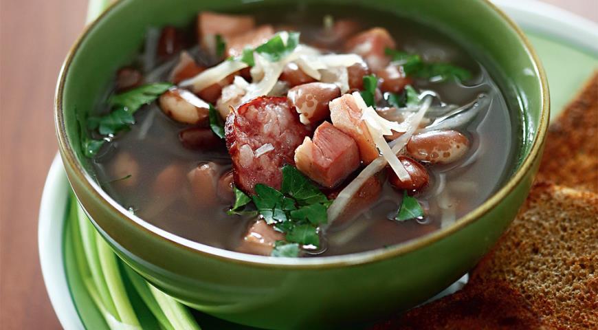 Рецепт Суп из пестрой фасоли с копченостями