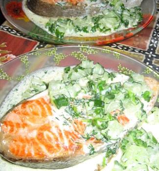 Рецепт Филе форели с соусом из огурцов и укропа