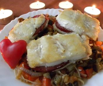Рецепт Филе трески с салями и баклажанами
