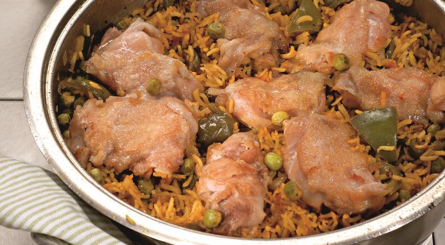 Рецепт Куриные бедрышки с шафрановым рисом