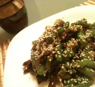 Рецепт Салат из стручковой фасоли и грибов