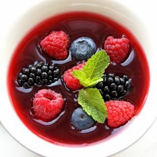 Рецепт Десертный суп из сезонных ягод