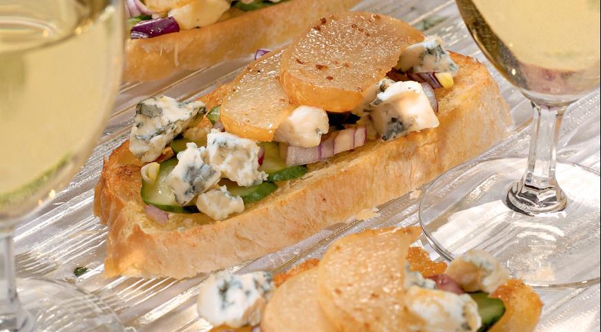 Рецепт Тосты с сыром и грушами