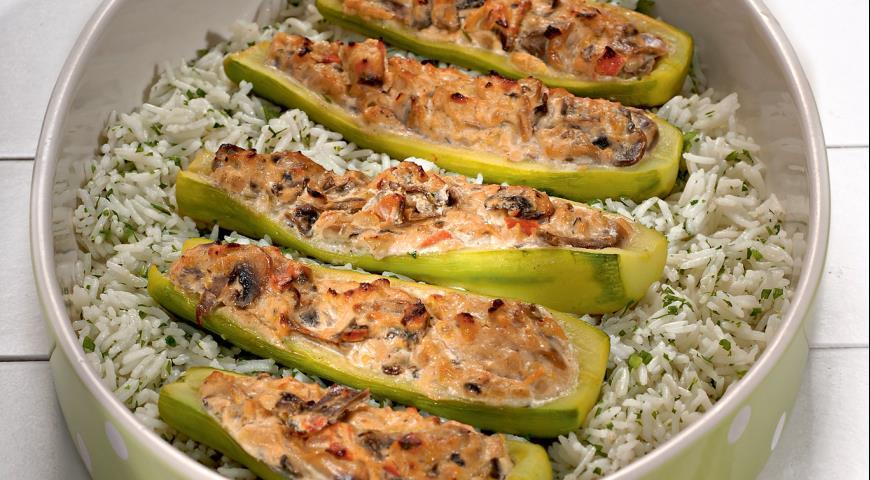 Кабачки, фаршированные козьим сыром, пошаговый рецепт с фото