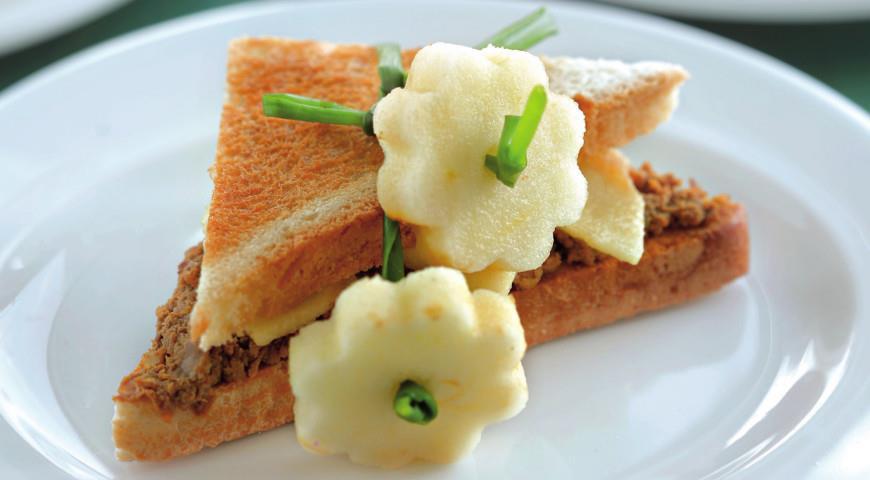 Рецепт Сэндвич с куриным паштетом, яблоком и сельдереем