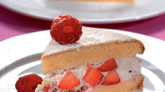Коллекция рецептов торта с клубникой на сайте Гастроном.ру