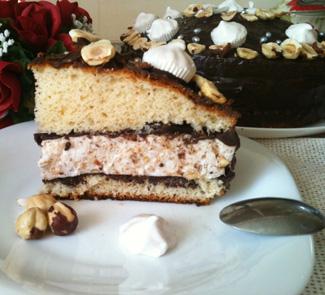 Рецепт Торт с нежной, зефирно-ореховой начинкой