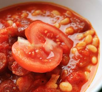Рецепт Томатная похлебка с фасолью и охотничьими колбасками