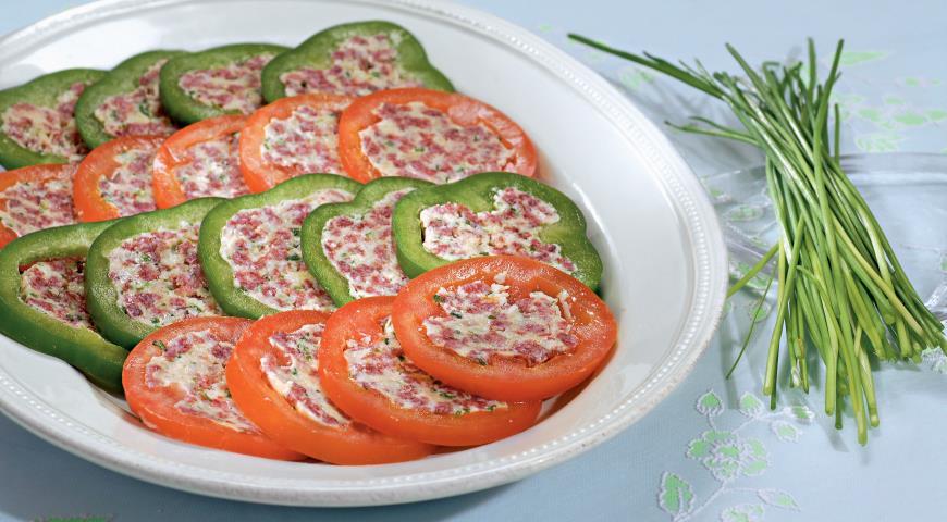 Рецепт Медальоны из перцев и помидоров