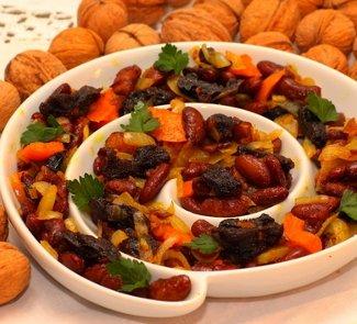 Рецепт Фасоль с черносливом и болгарским перцем