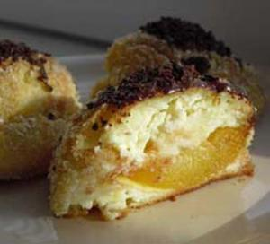 Творожное пирожное с абрикосовой начинкой