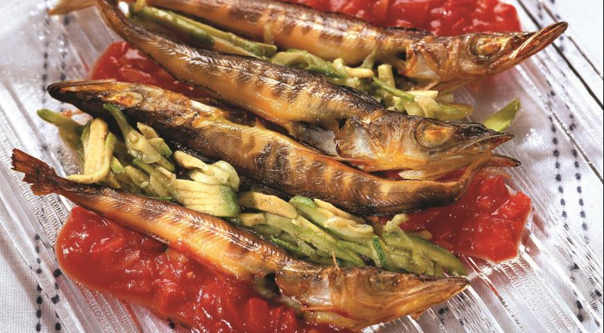 Рецепт Рыба ледяная с томатным чатни и салатом из огурцов
