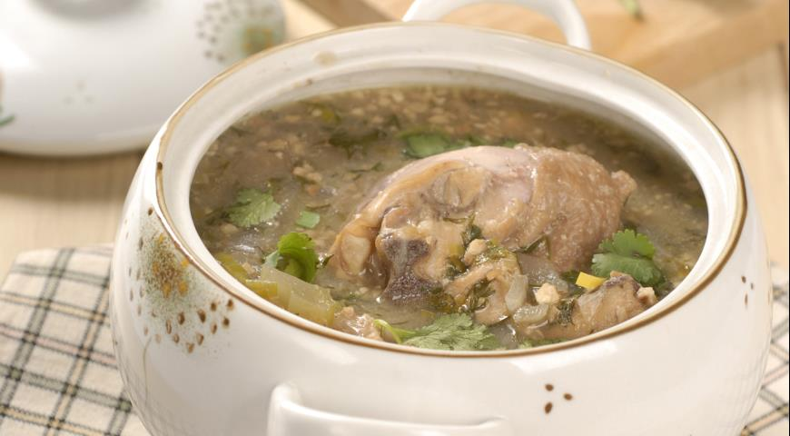 Куриный суп с орехами