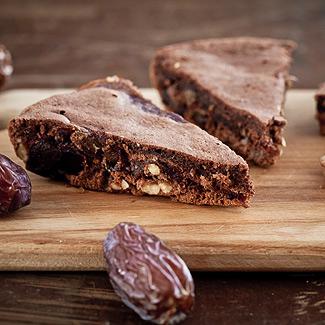 Рецепт Пудинг с финиками и грецкими орехами в мультиварке