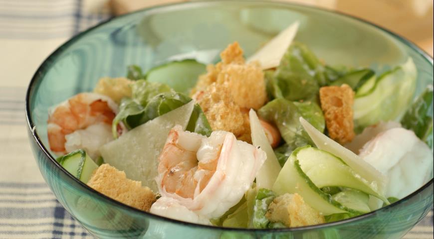 Рецепт Зеленый салат с сырными крутонами