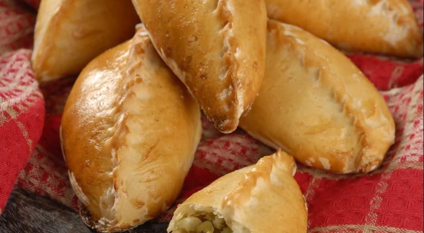 Рецепт Пирожки с молодой капустой и луком-пореем