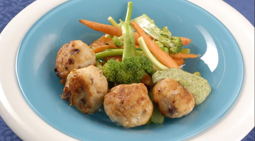 Рецепт Куриные котлеты с соусом из лука-порея