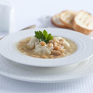 Рецепт Суп из цветной капусты и белой фасоли в мультиварке