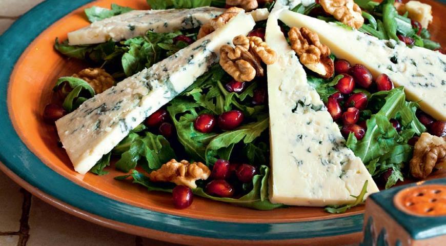 Салат с кальмарами и гранатом рецепты с фото