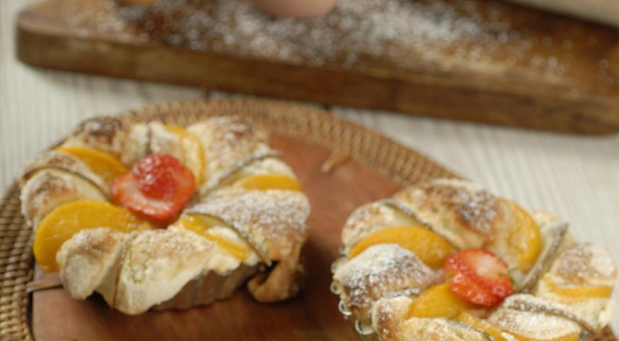 Рецепт Корзиночки с персиками и грушами
