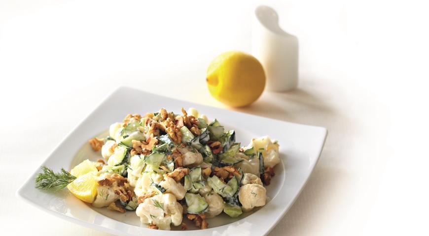 Рецепт Огуречный салат с цветной капустой