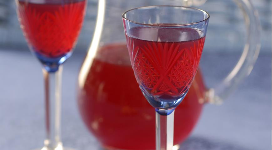 Рецепт Вино из грецких орехов
