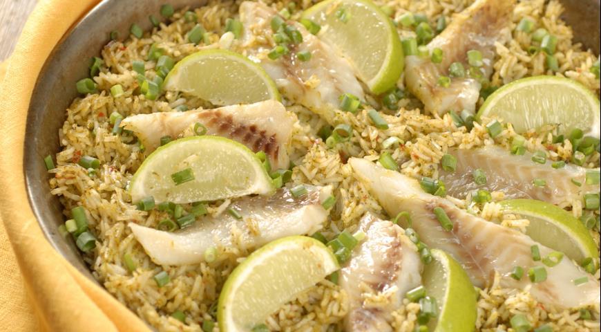 Рецепт Минтай с рисом и пастой из кинзы