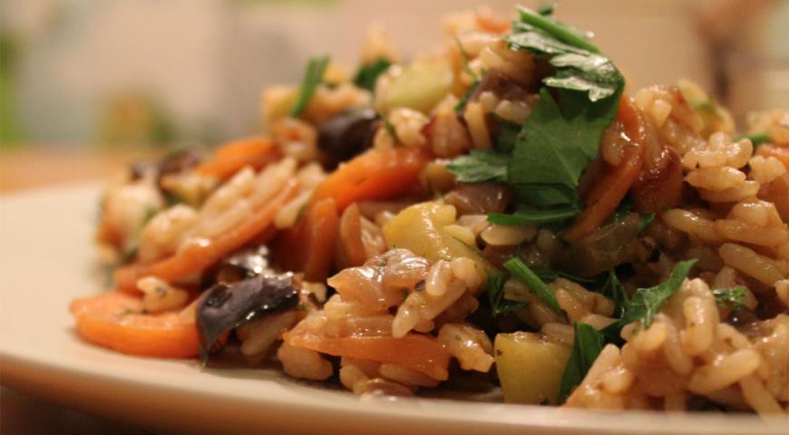 Рецепт Рис с баклажанами и цукини