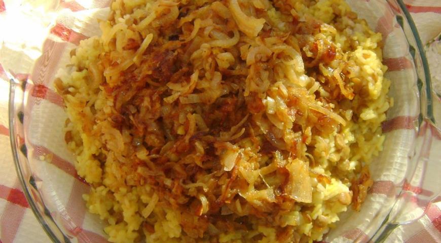 Рецепт Мжаддара, рис с чечевицей и жаренным луком