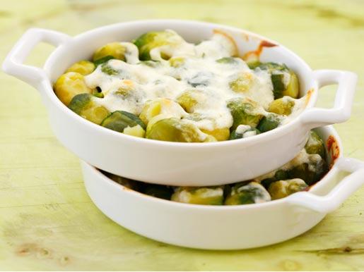Рецепт Брюссельская капуста в белом соусе с сыром