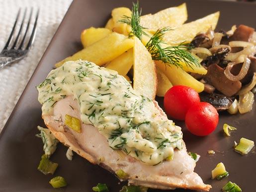 Рецепт Куриные грудки под сырным соусом с картофелем и грибами