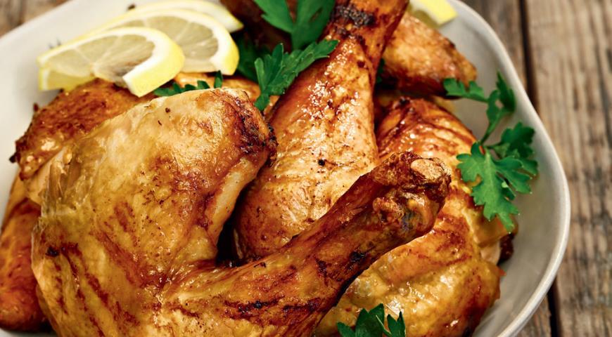 Рецепт Цыпленок с лимонами, петрушкой и розмарином