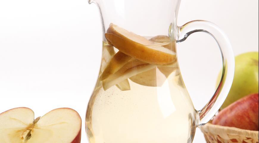 Рецепт Компот из сушеных яблок