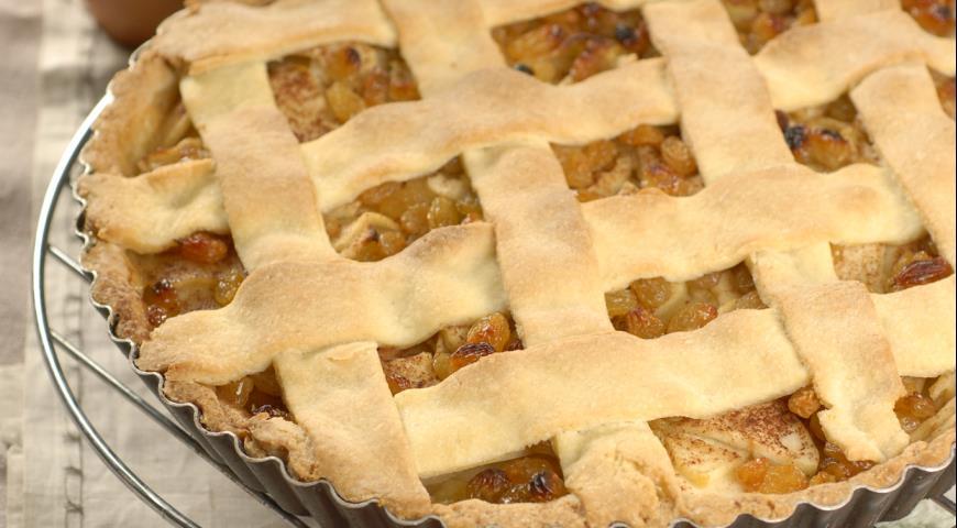Рецепт Яблочный торт с ванильным соусом
