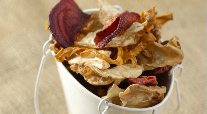 Рецепт Домашние чипсы с чесночным соусом