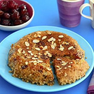 Рецепт Геркулесовый пирог с яблоками и финиками в мультиварке