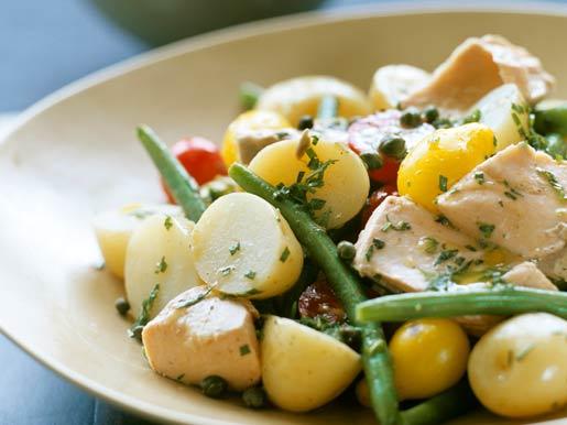 Рецепт Картофельный салат с соусом из тунца